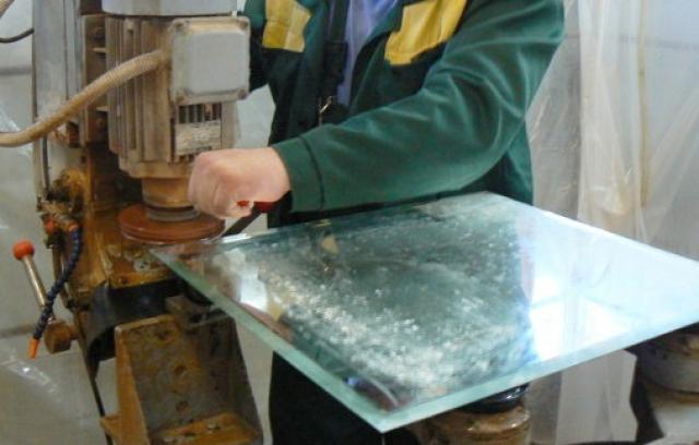 Обработка кромки (шлифовка) на прямолинейных изделиях