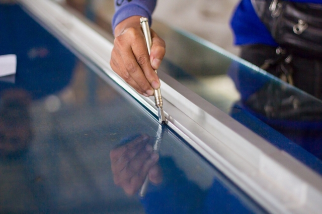 Инструмент стекольщика