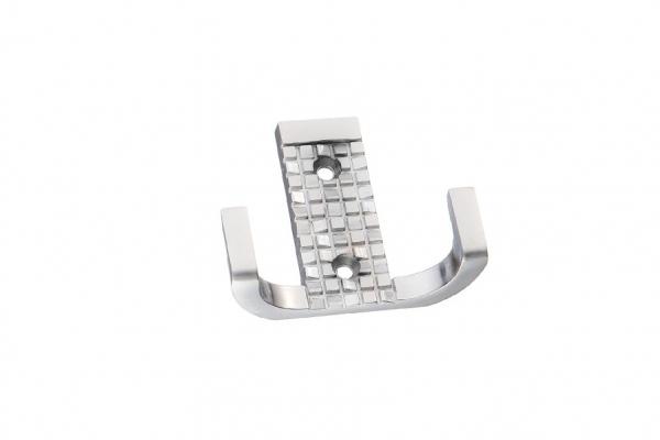 Крючок мебельный двухрожковый мат. хром (KR 0160 SC)